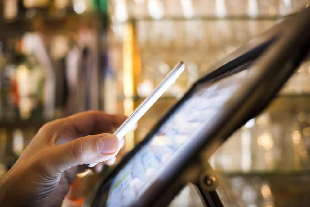 How Restaurants Leverage Technology to Increase Profits