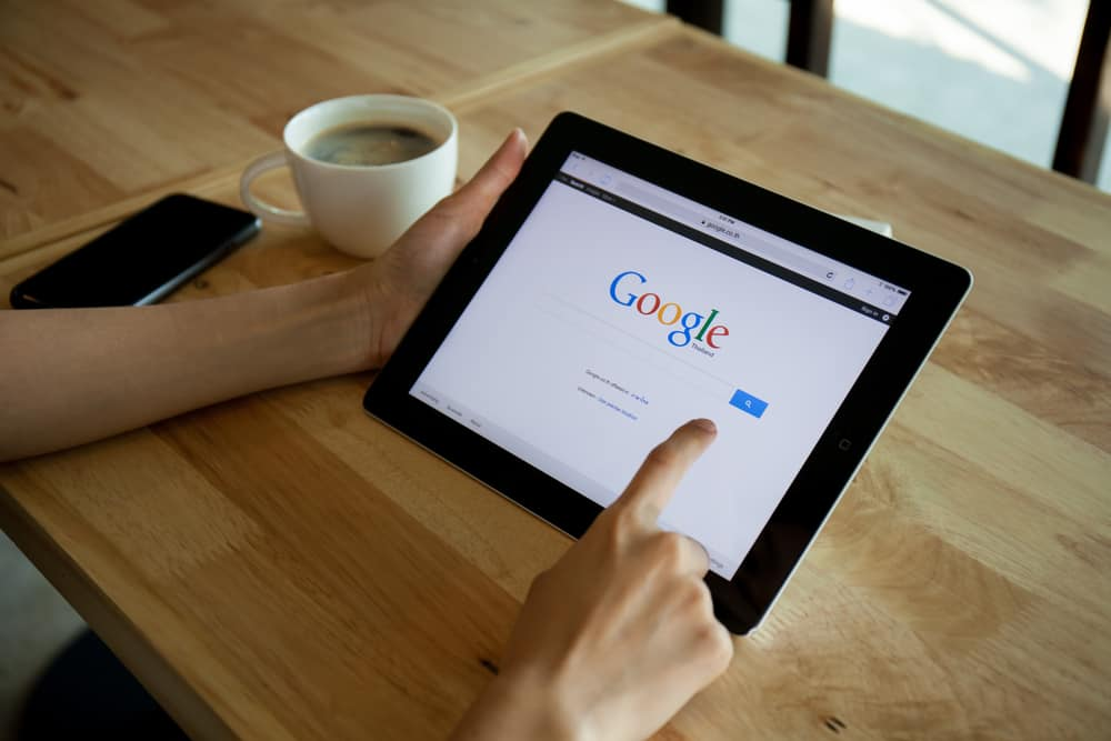 google-manipulating-search-results-promote-content